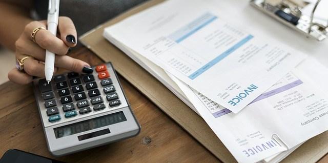 accountant-4008603_640.jpg